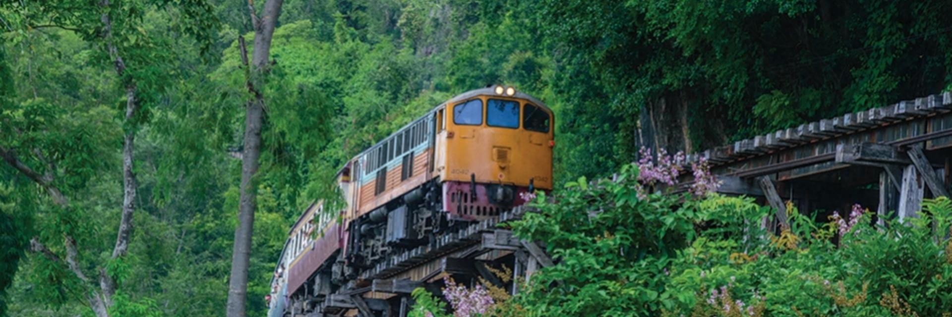 นั่งรถไฟสายน้ำตก ไปเที่ยวกาญจนบุรี