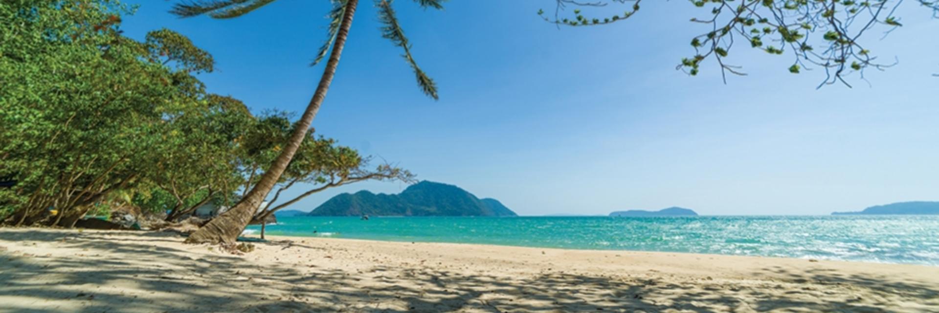 หมู่เกาะสุรินทร์ จ.พังงา สวรรค์แห่งทะเลอันดามัน ร้อนนี้ห้ามพลาด