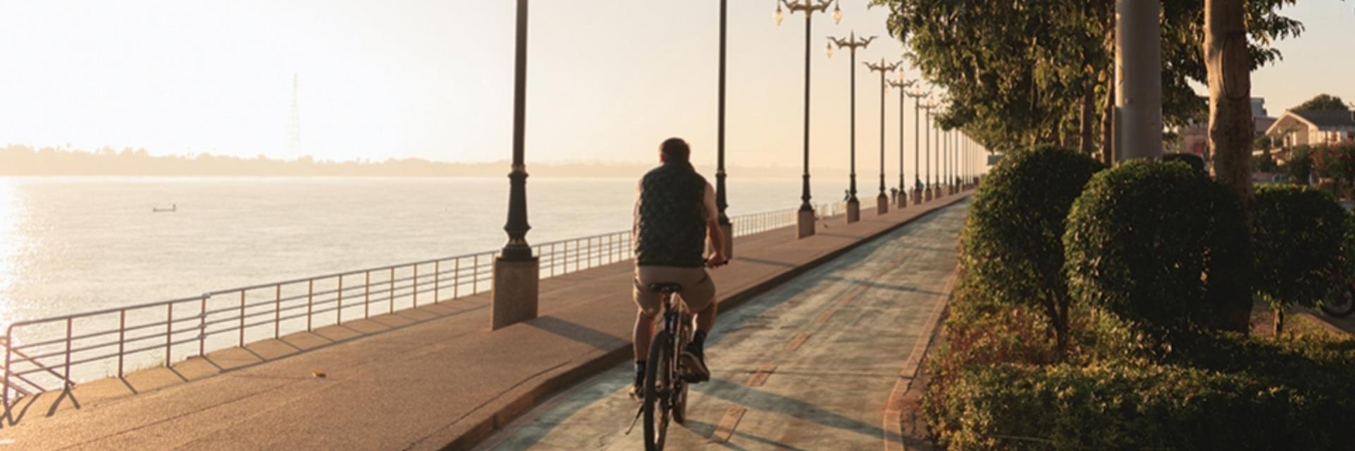 เช่าจักรยานปั่นเที่ยวเส้นทางริมโขง @ นครพนม