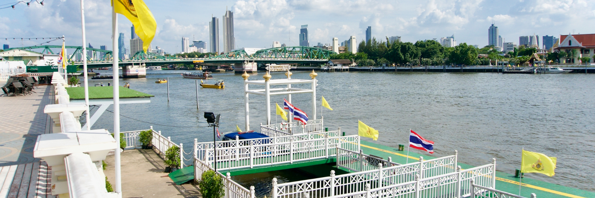1 Day trip boat journey in Bangkok. Enjoy a Great Time alongside the River with Bangkok's Boat Service