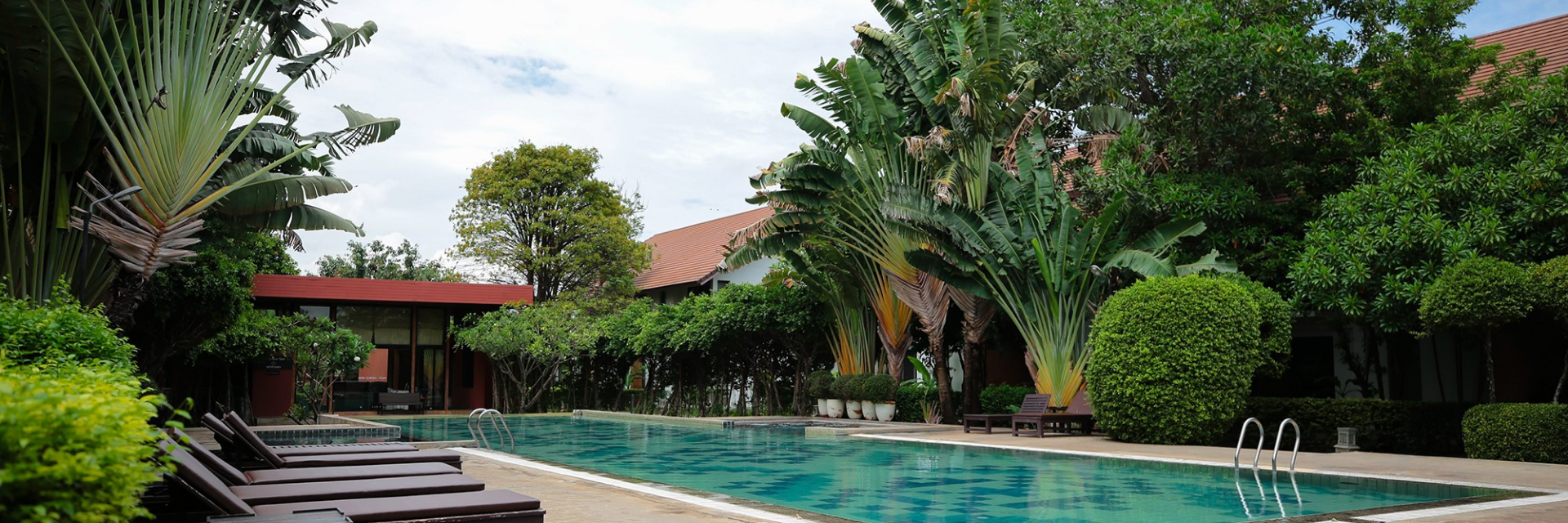 2 of the Most Luxurious- yet friendly - in Sukhothai