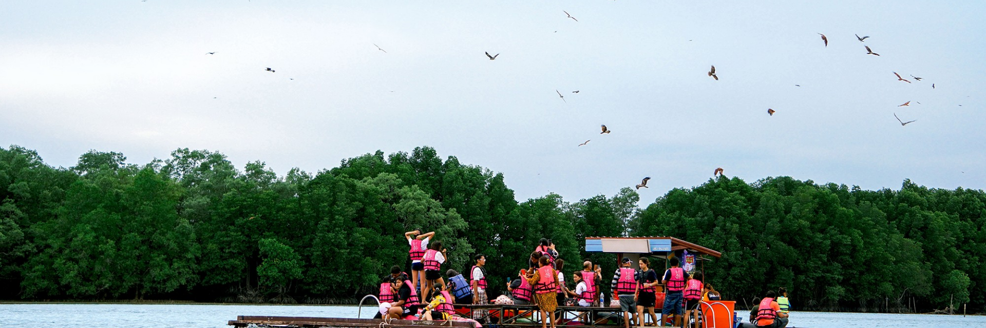 Mae Nam Chan (Chanthaburi River): Be a part of the close to nature lifestyle alongside the river.