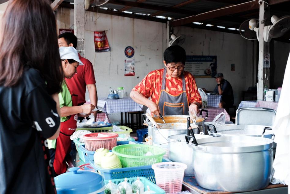 ขนมจีนยายฟัก ขนมจีนร้านเด็ดประจำสุรินทร์ การันตีความอร่อยมานานกว่า 50 ปี