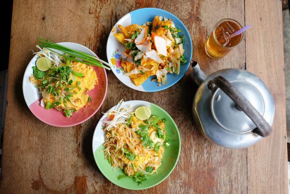 4 Popular Restaurants in Pak Nam Pho (Nakhon Sawan)
