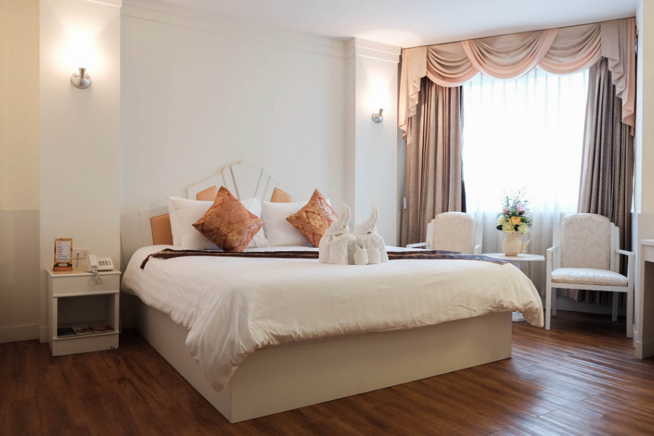 2 styles of accommodation in Surin for comfortable and convenient travel